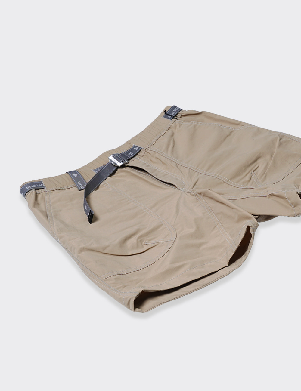 and wander : NYLON TAFFETA SHORT PANTS (BEIGE)