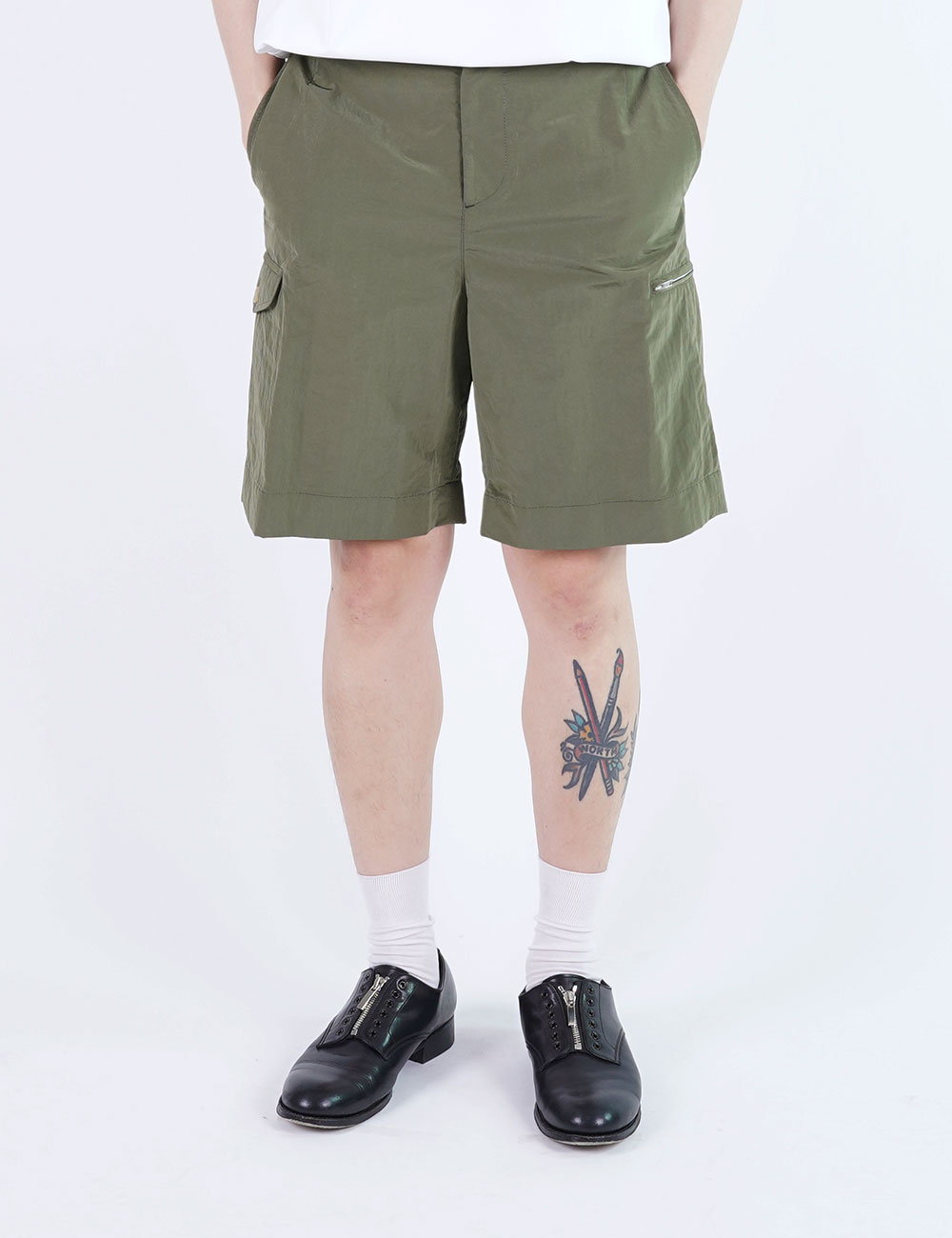 momPROUDyou : 6 POCKET ZIP SHORTS (OLIVE)