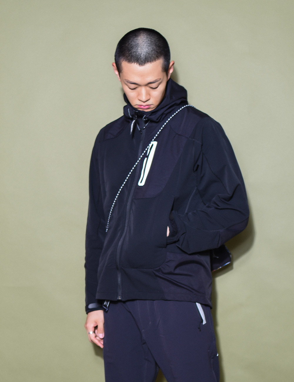 and wander : STRETCH SHELL JACKET (BLACK)