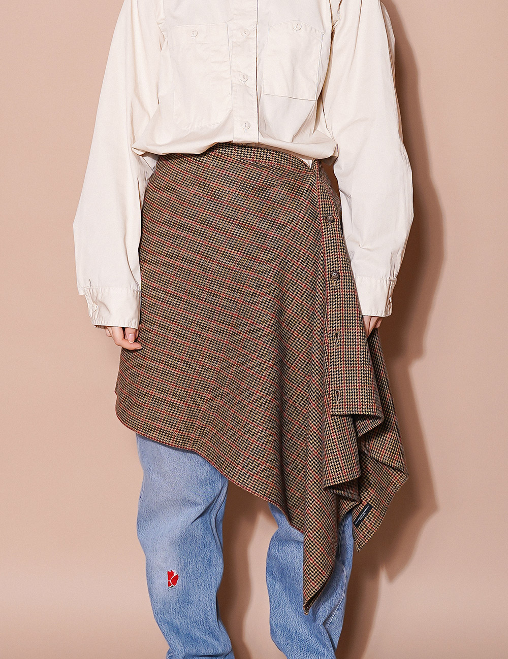 Engineered Garments : BUTTON SHAWL (BROWN/RED)