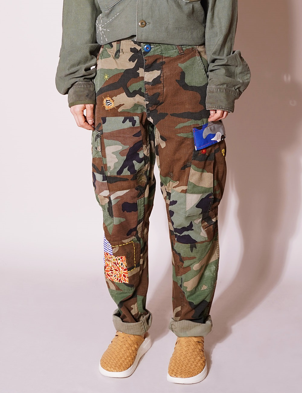 ATELIER & REPAIRS : CAMO CARGO PANT ON LSD (SIZE 26)