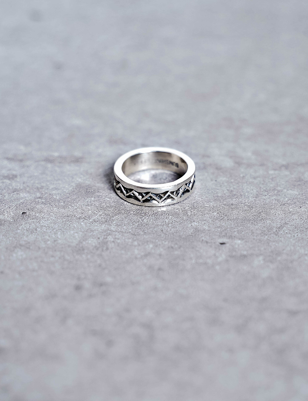 NATIVE AMERICAN JEWELRY : SUNSHINE REEVES - THIN STAMPED RING