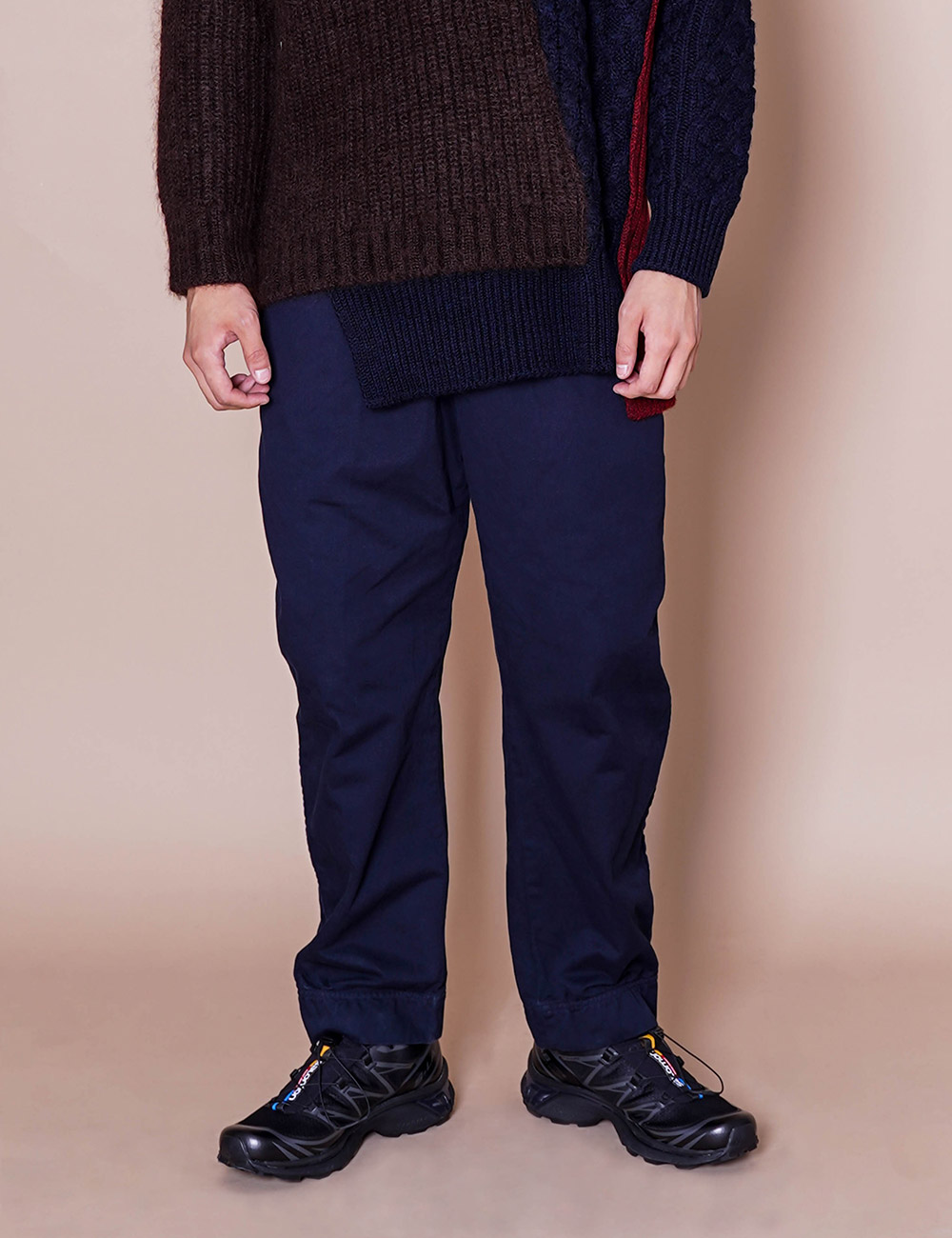 kolor : 20WCM-P10111 PUCKERING TAPERED PANT (NAVY BLUE)