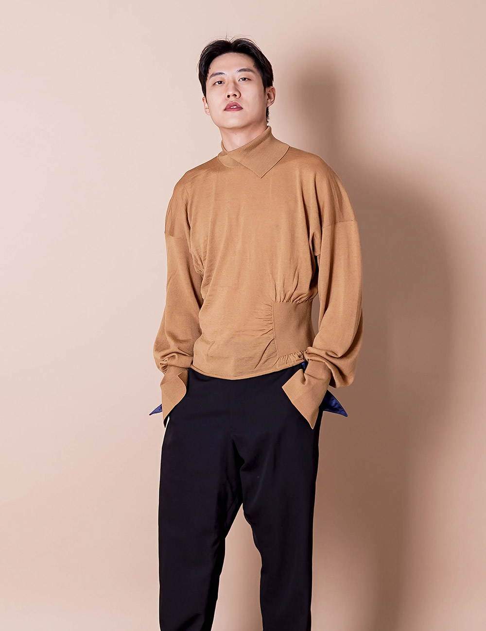 sulvam : HIGH NECK RIB KNIT (BEIGE)