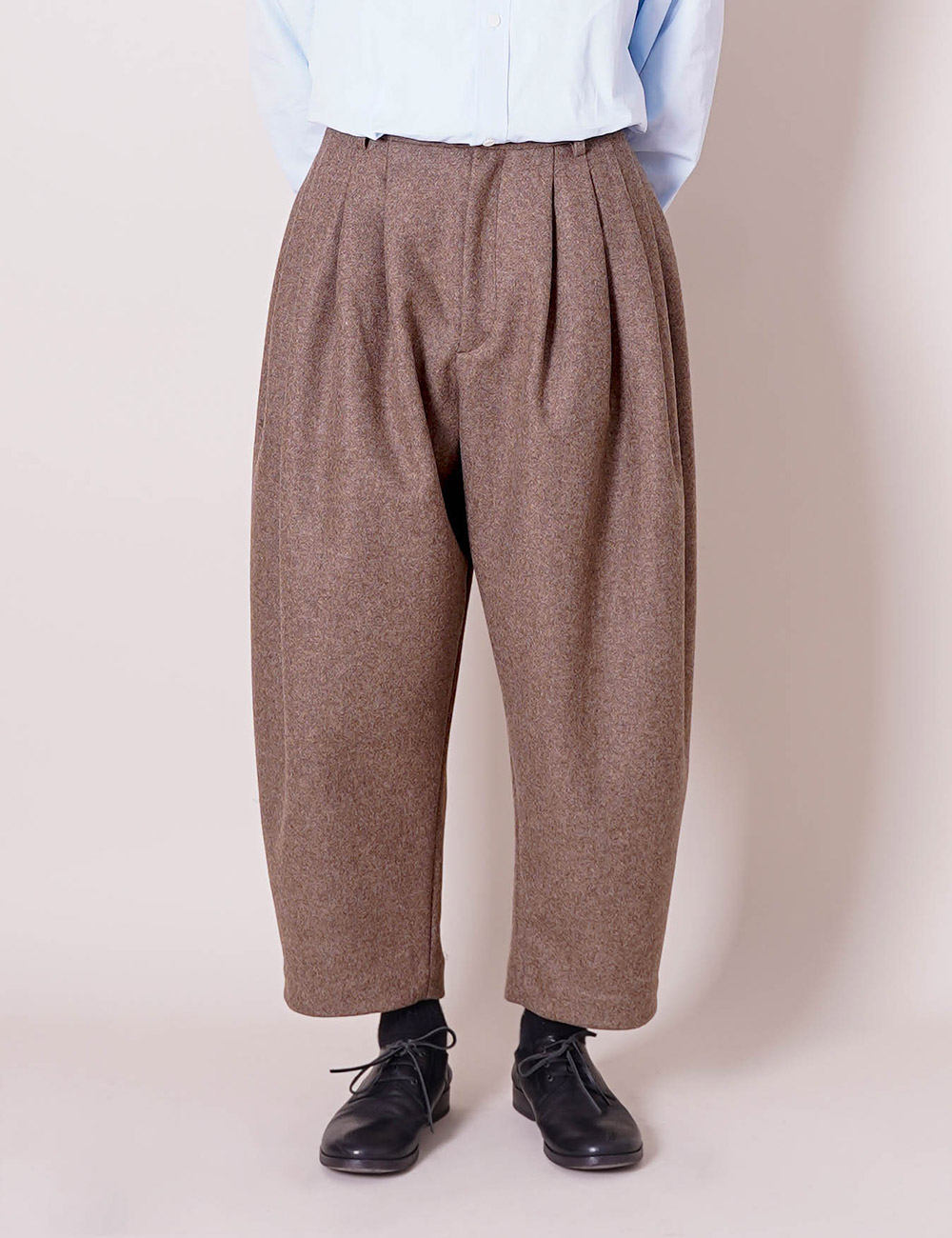 HED MAYNER : 8 PLEAT PANTS (CEDAR BROWN)