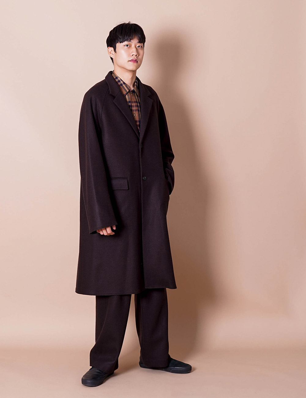 URU : OVER COAT (BROWN)