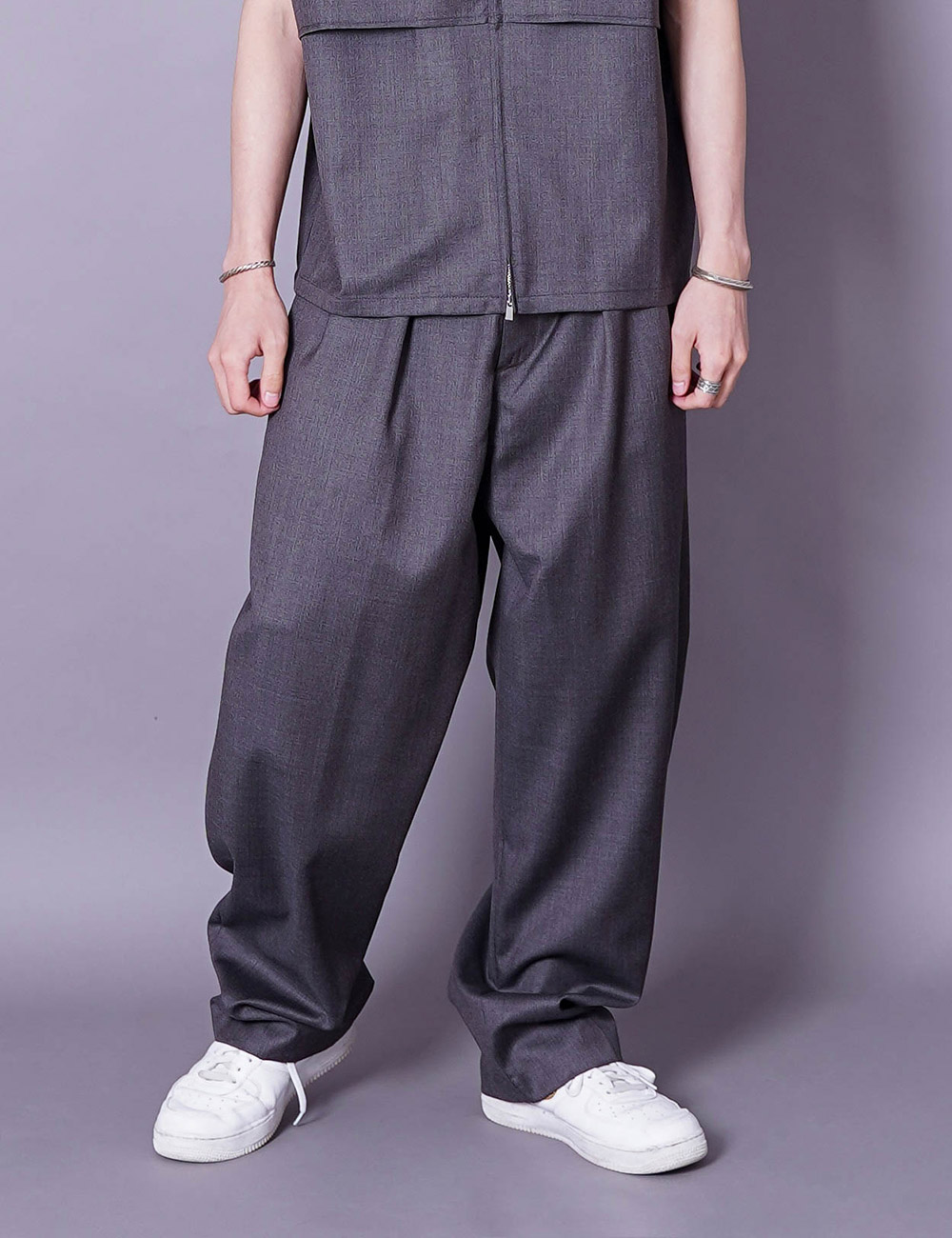 lownn : RELAXED TROUSERS (ICE BROWN)