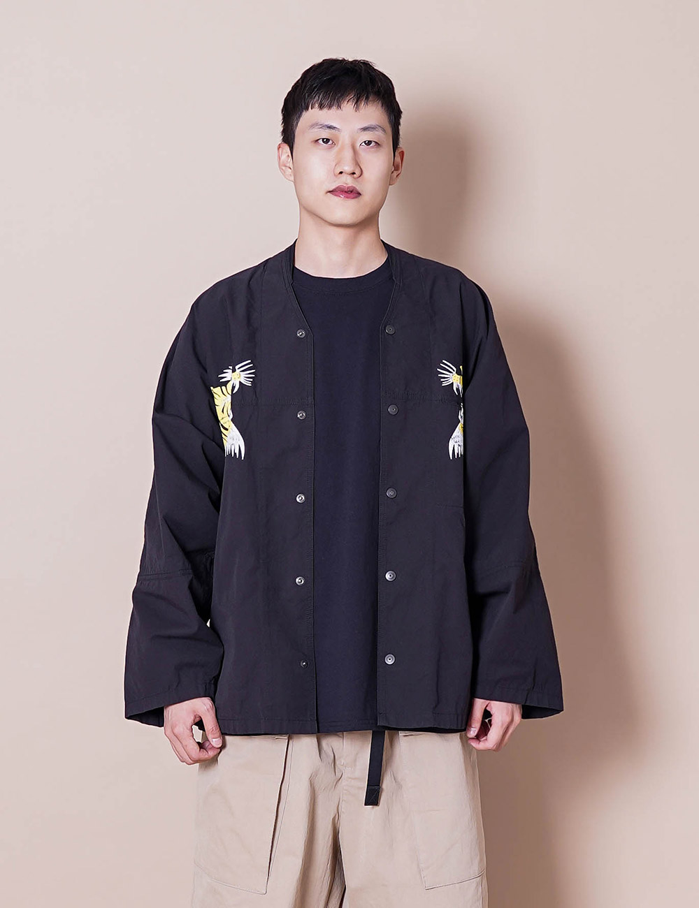 ESSAY : SUKAJAN TIGER SHIRT (BLACK)