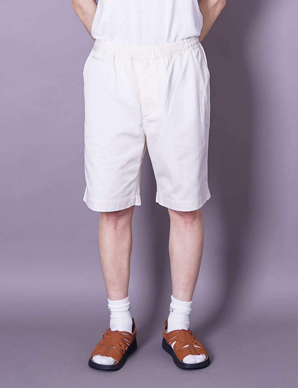 nanamica : EASY CHINO SHORTS (NATURAL)