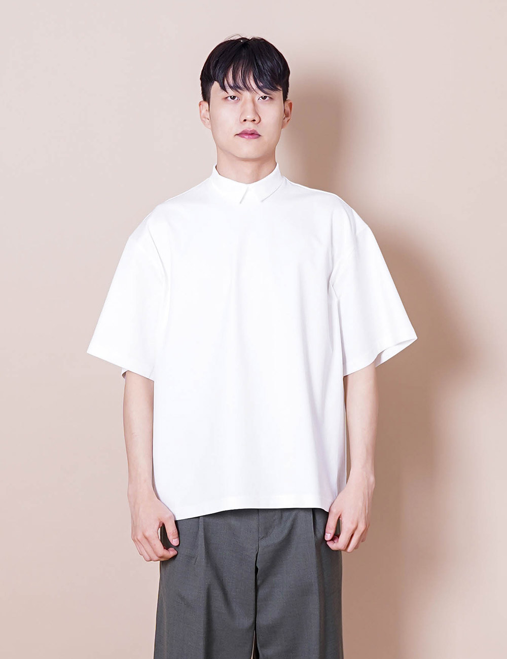 kolor : 21SCM-T03202 COLLAR L/S T-SHIRT (CLEAR WHITE)